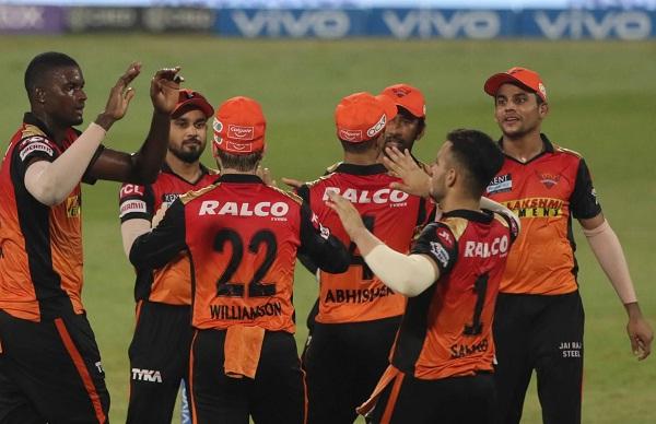 IPL 2021; SRH vs RCB: শক্তিশালী ব্যাঙ্গালোরের বিরুদ্ধে এই অনভিজ্ঞ খেলোয়াড়দের আবারও সুযোগ দিচ্ছে সানরাইজার্স হায়দ্রাবাদ 2